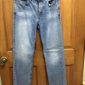 Men's Levi's barely worn no holes or rips